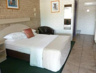 Castle Motor Lodge Whitsunday Islands - Istaba viesiem