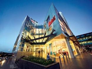 Bondi Gateway Sydney - Surroundings