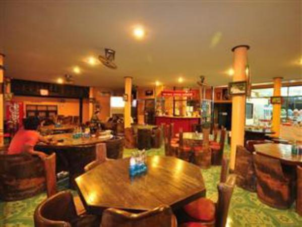 Rommayakhiri Inn Chom Thong
