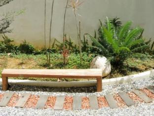 The Explorer Hotel Malacca - Garden