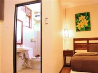 Bemo Corner Guest House Бали - Интерьер отеля