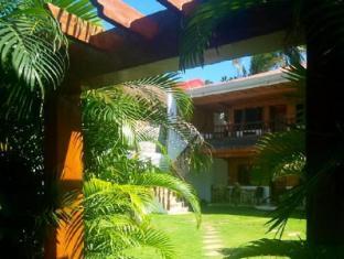Coucou Bar Hotel and Restaurant Bantayan Island - Garden