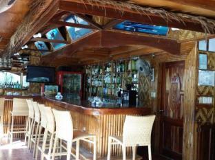 Coucou Bar Hotel and Restaurant Bantayan Island - Bar