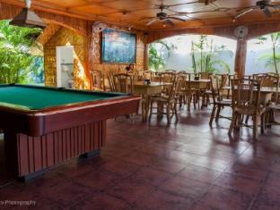 Coucou Bar Hotel and Restaurant Bantayan Island - Restaurant