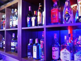 Surin Sweet Hotel Phuket - Pub/salon