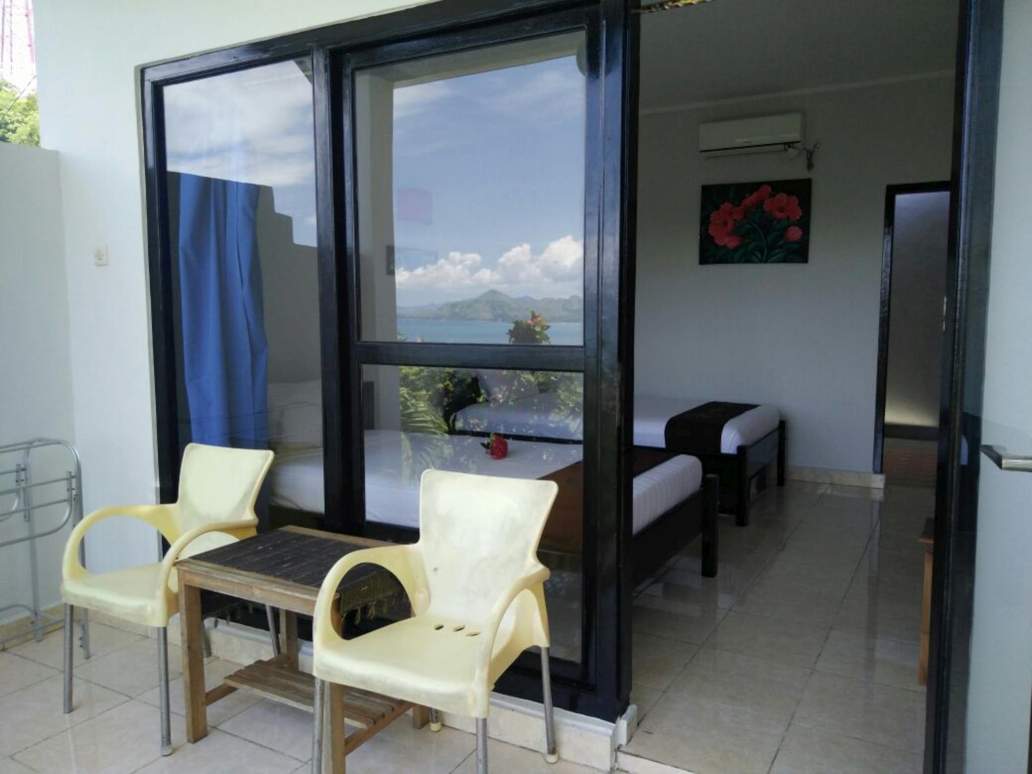 CF Komodo Hotel picture