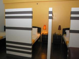 BP International Hotel Manila - 1 Bed in 5 Bed Budget Room1 Bed in 5 Bed Budget Room