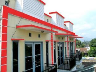 Guest House & Salon Spa Fora Gegerkalong Bandung - Tampilan Luar Hotel