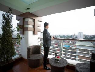 Chalcedony Hotel Hanoi - Balcony/Terrace