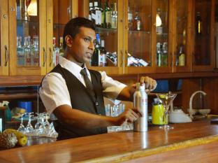 Mount Breeze Hotel Colombo - Beach Restaurant