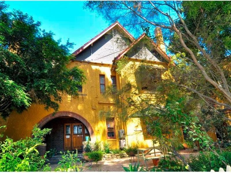 Price Burwood Bed and Breakfast