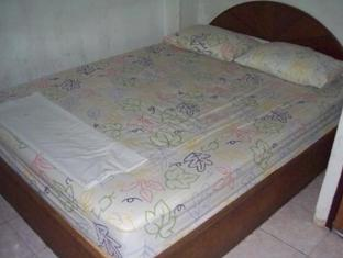 Crown Hostel Phuket - Quartos