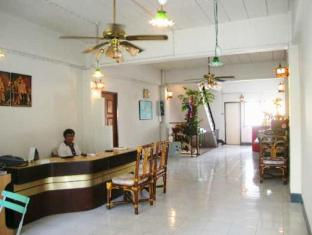 Crown Hostel Phuket - Vestíbul
