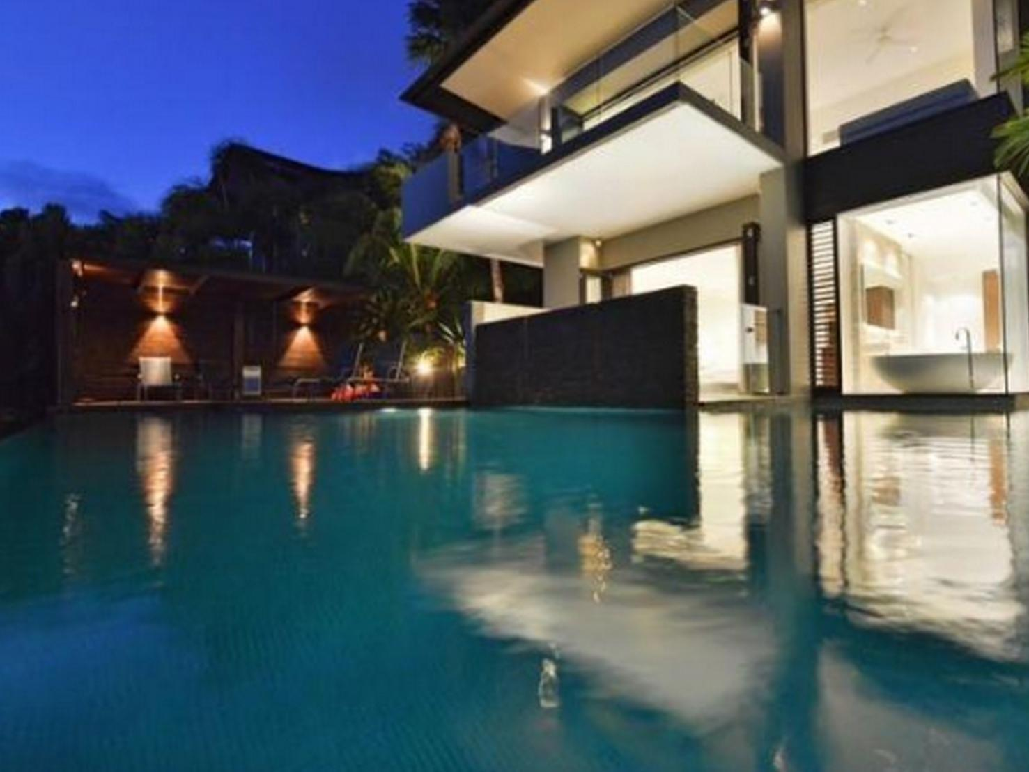 Review 61 Murphy Street - Luxury Holiday Home