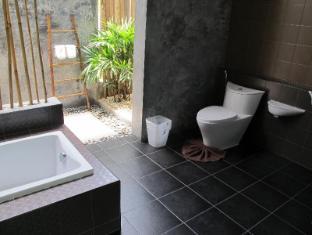 Alphabeto Resort Phuket - Badrum