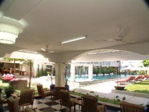 โอซีโฮเต็ล (OC Hotel)