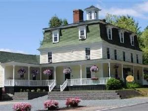 The Ballard House Inn Bed And Breakfast
