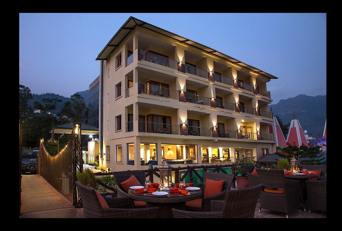 Hotel Divine Resort And Spa