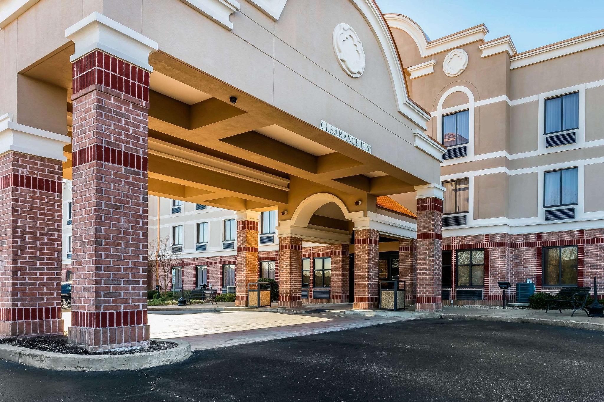 Comfort Inn And Suites Airport American Way