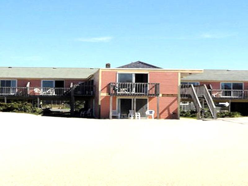 Beachfront White Sands Hotel