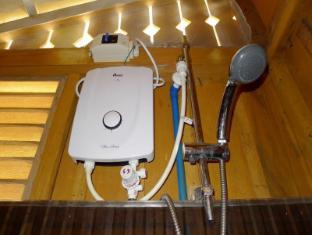 Bahay Kubo at Emerald Playa Puerto Princesa City - Small Cabana Bathroom