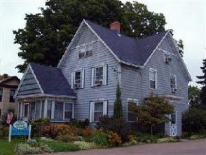 Four Creeks Bed And Breakfast