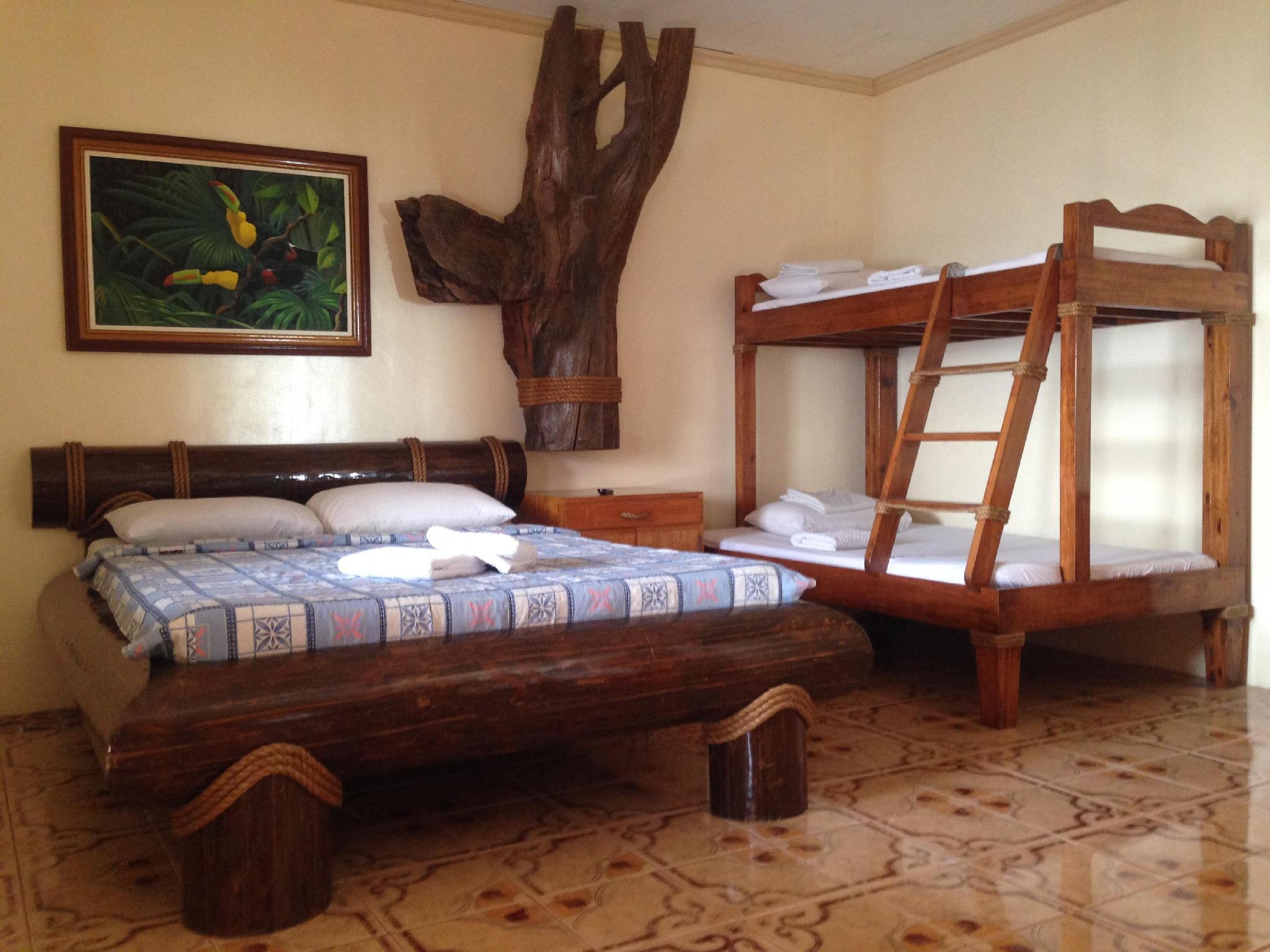 Vasco's Resort