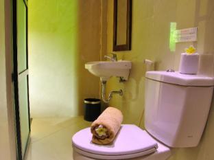 Coco de Heaven Hotel बाली - बाथरूम
