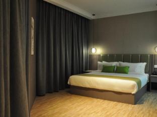 Champion Hotel Singapore - Suite Room