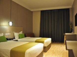 Champion Hotel Singapore - Deluxe Twin