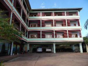 Phou Chang Hotel