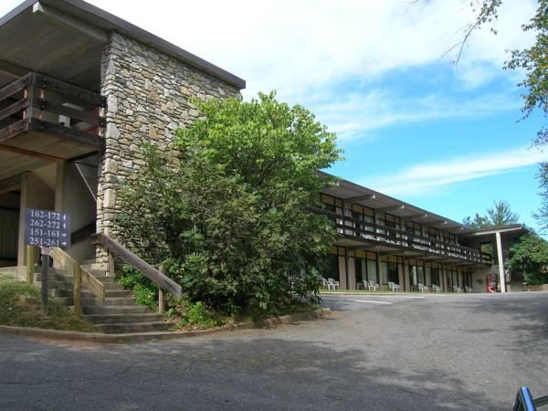 The Mountaineer Inn   Asheville