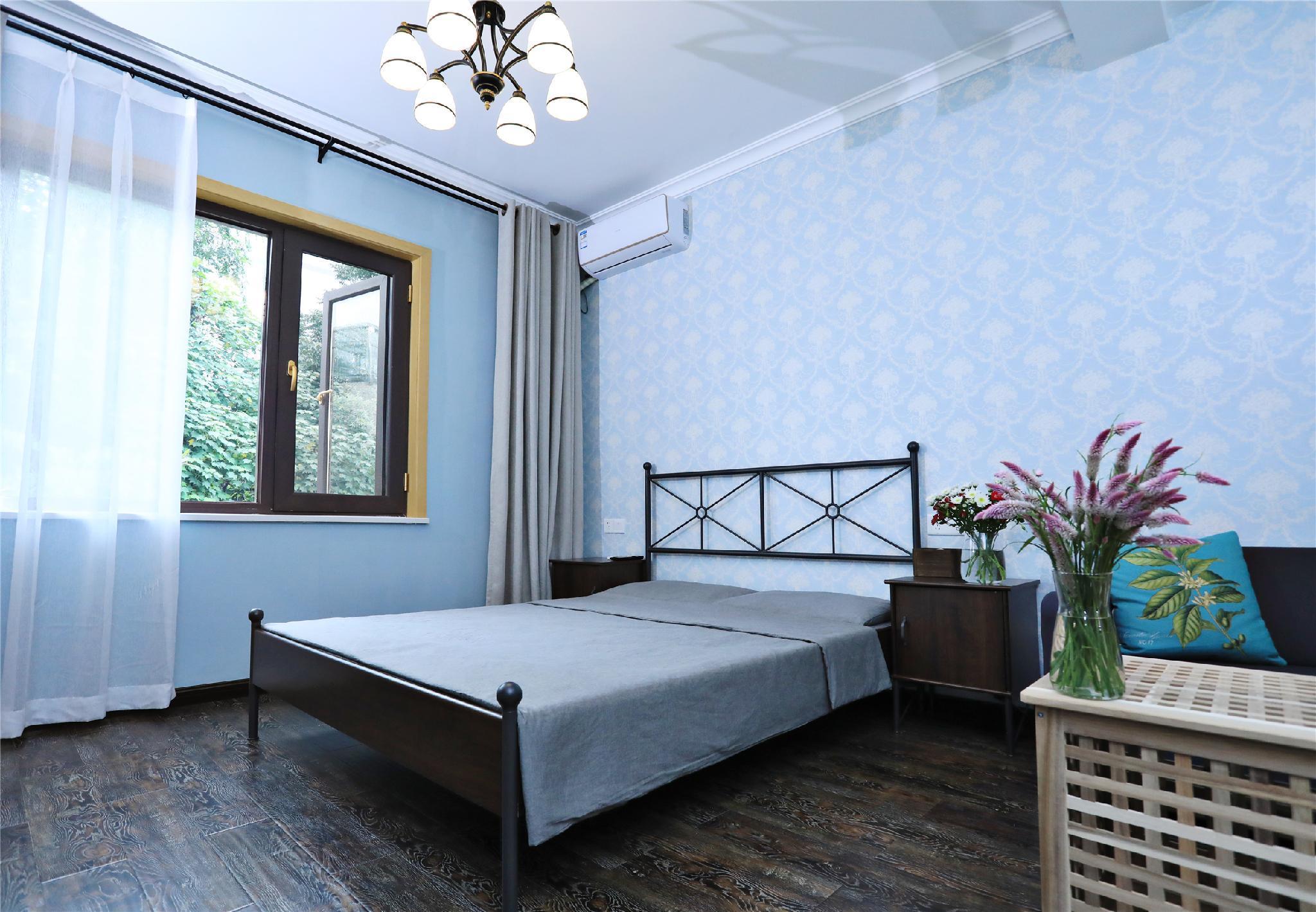 Cozy European Family Room C With Floor Heating