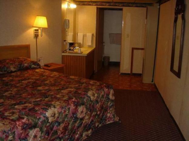 Wolds Motel - Mt. Pleasant