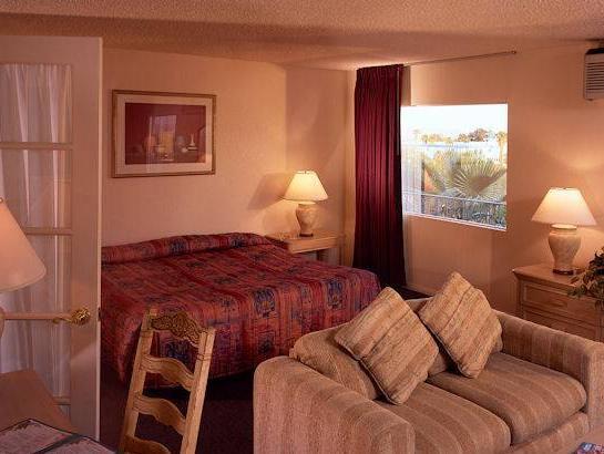 Desert Hot Springs Spa Hotel