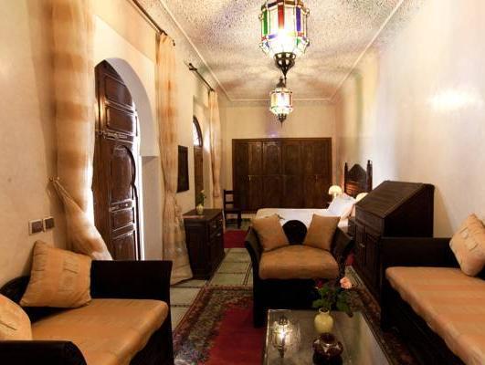 Review Riad Massaoud
