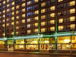 /lv-lv/holiday-inn-hotel-and-suites-toronto-downtown-centre/hotel/toronto-on-ca.html?asq=jGXBHFvRg5Z51Emf%2fbXG4w%3d%3d