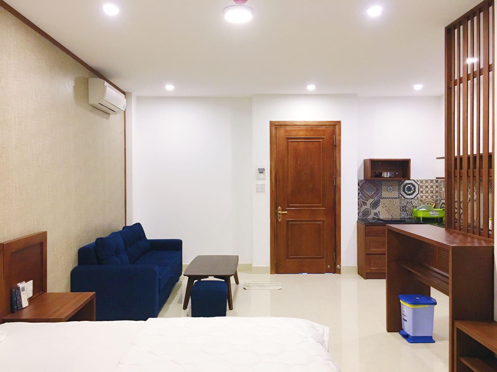 Landlord Aris Apartment  Standard Small Window