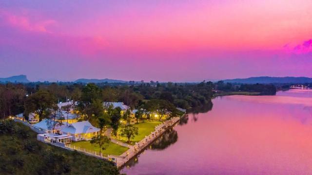ทับทิม สยาม ริเวอร์แคว รีสอร์ต – Tubtim Siam River Kwai Resort