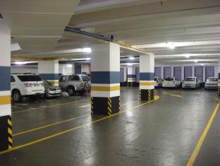 Cape Town Lodge Hotel Cape Town - Secure undercover parking