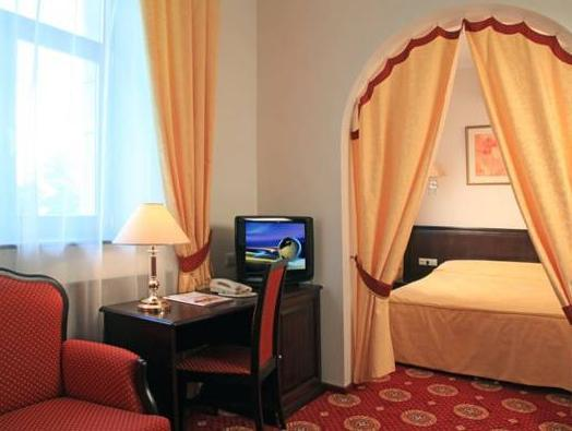 Arm Premier Hotel