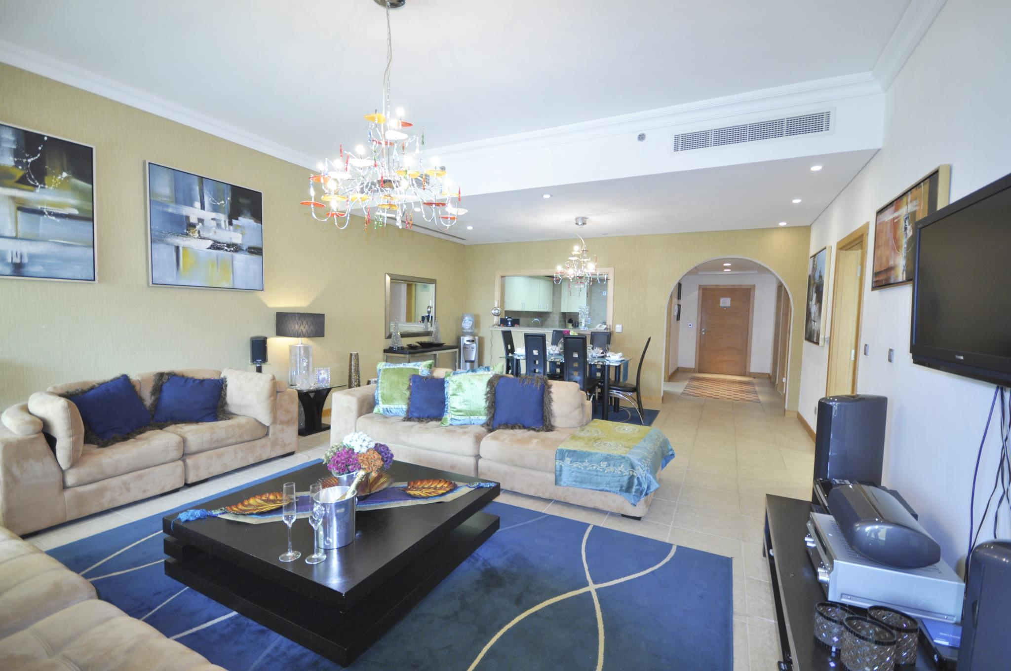 Stylish 2 Bedroom + Maids Room On The Palm