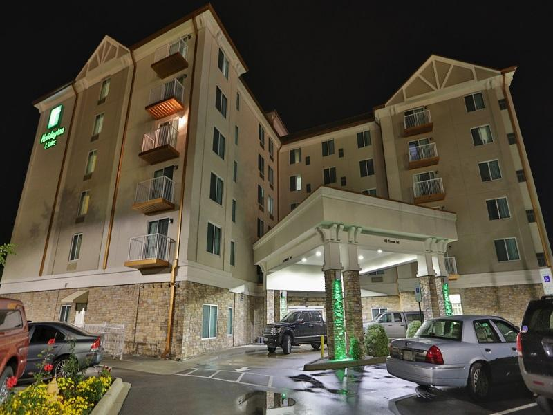 Holiday Inn Hotel AndSuites Arden  Asheville Airport