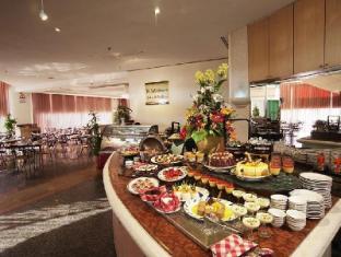 Mahkota Hotel Melaka Malacca - Coffee Shop