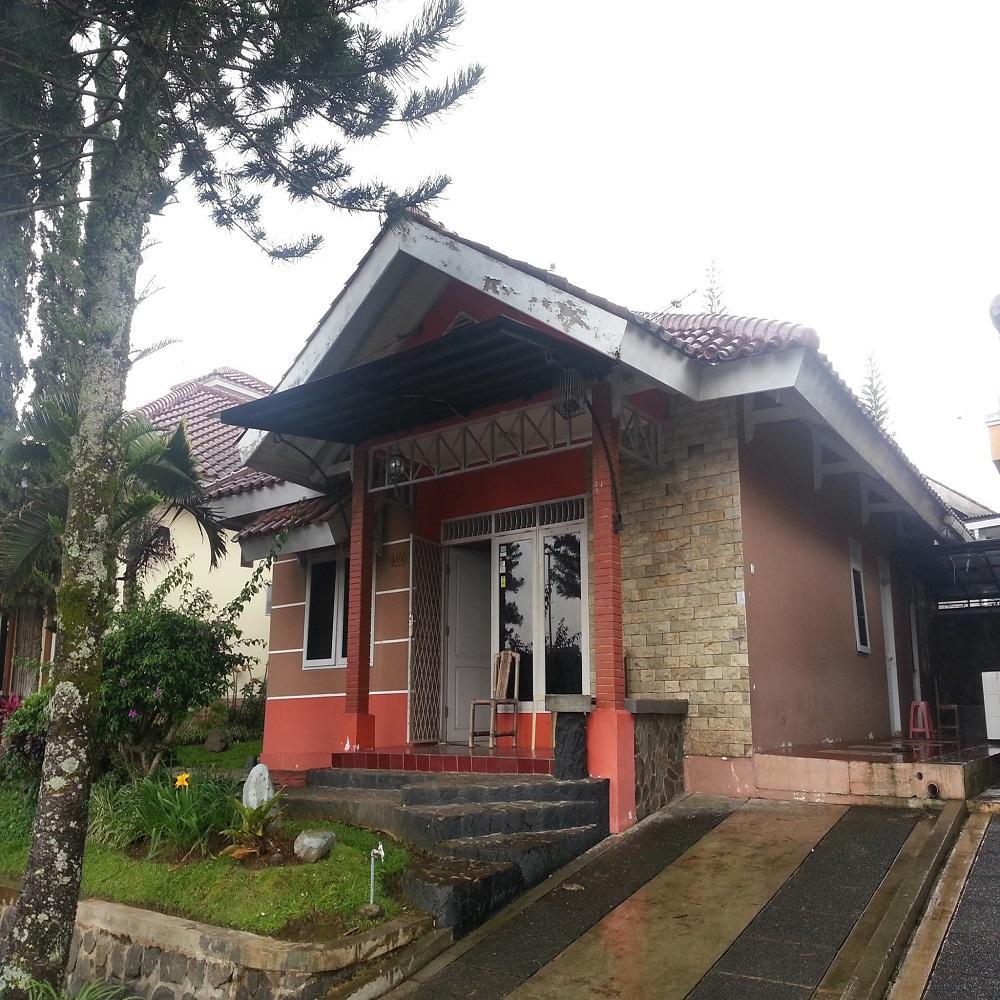 4 Bedrooms Villa Kota Bunga Santibis C