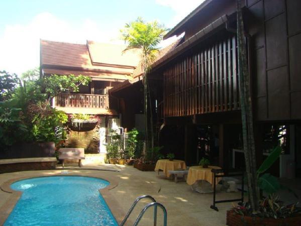 Club One Seven Gay Men Hotel Chiang Mai Chiang Mai