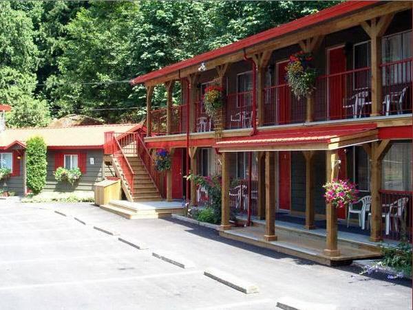 Holiday Motel And RV Resort
