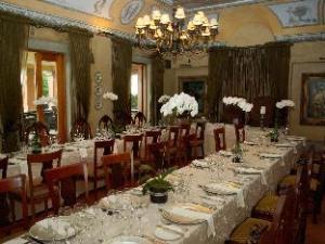 Castello Di Monte Guest House