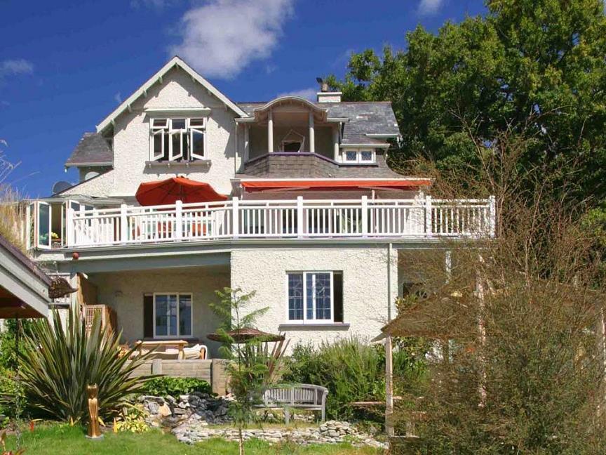 Joya Garden & Villa Studios and Organic Bed & Breakfast
