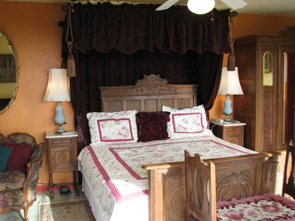 Plumeria Hill Bed & Breakfast